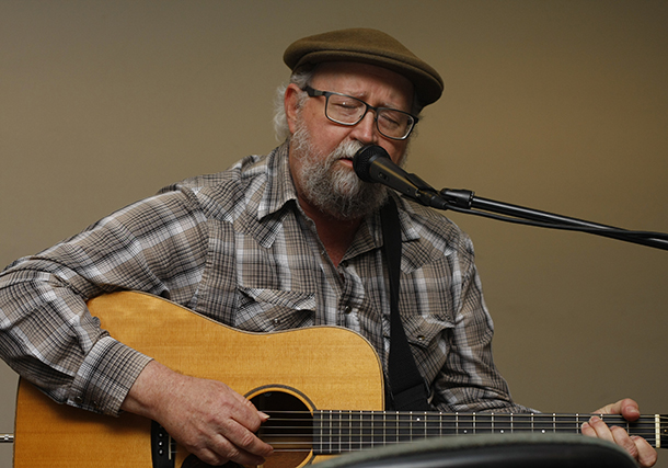 """Country"" Dave Harmonson performs at the tribute."