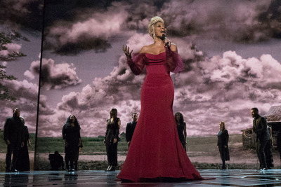 Oscar® nominee Mary J. Oblige performs during the live ABC Telecast of The 90th Oscars® at the Dolby® Theatre in Hollywood, CA on Sunday, March 4, 2018.