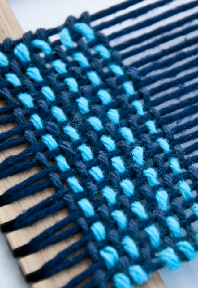 Tutorial on how the Three Colored Weave | The Weaving Loom