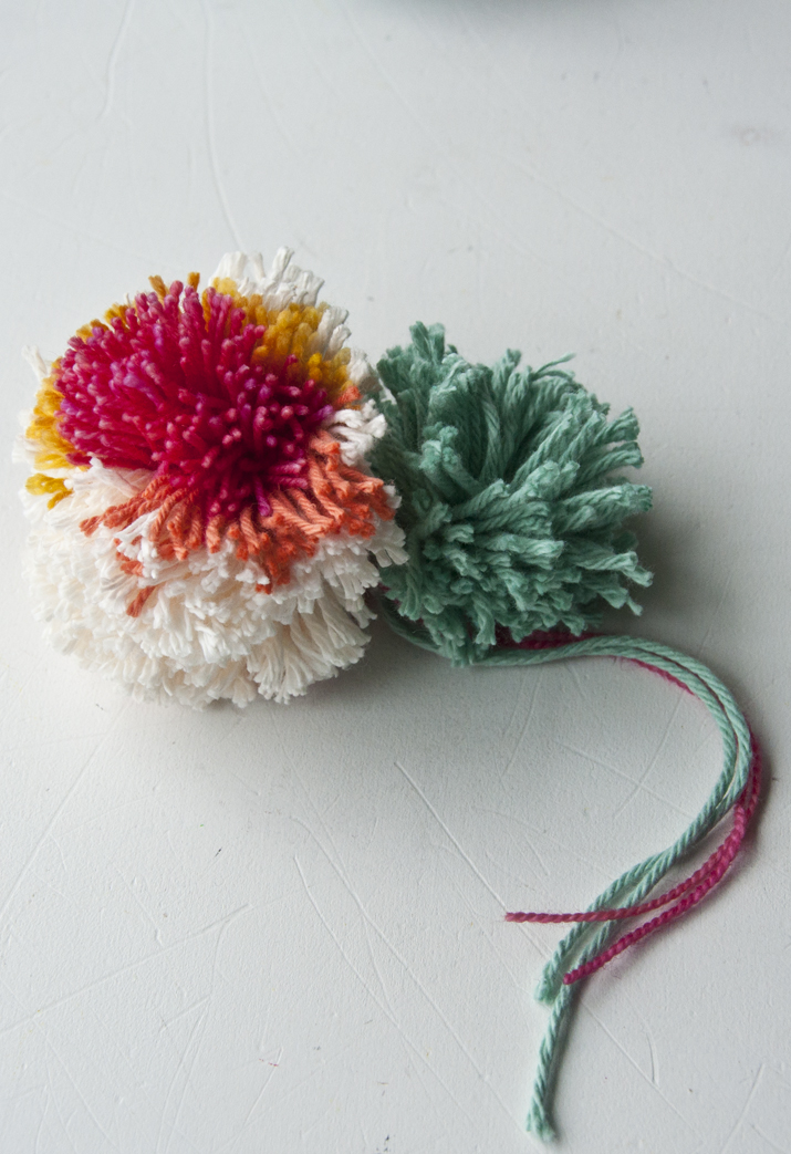 Making Pom Poms on a Clover | The Weaving Loom