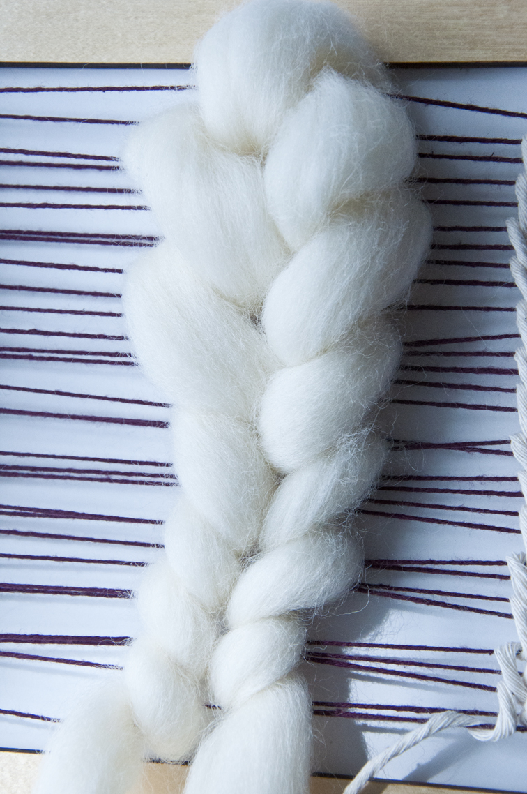How to taper your wool roving while weaving