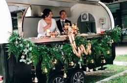 Daun and Petals. Wedding florist.