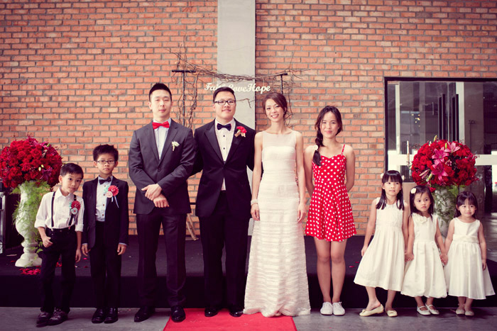 Photo by Chris Teoh. www.theweddingnotebook.com