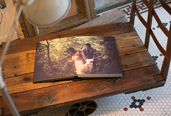 Photo by Iwen Exposures – What These Wedding Albums Tell Us About The Photographer. www.theweddingnotebook.com