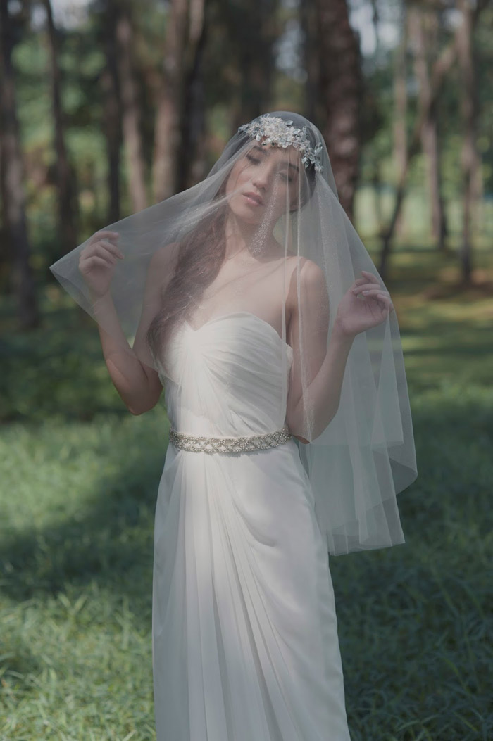Photo by Siew Kay / Hair and Makeup by Aivy Yong Bridal Makeup Studio. www.theweddingnotebook.com