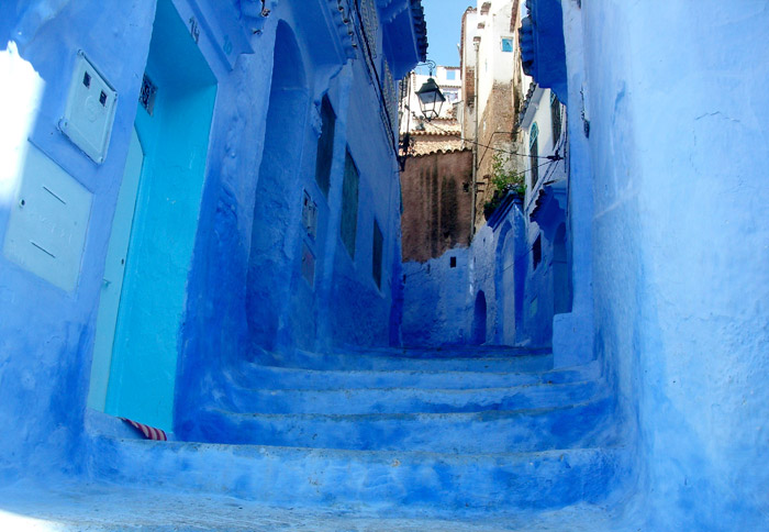 Chefchaouen, Morocco. 16 Colourful Places In The World For Your Bridal Portraits. www.theweddingnotebook.com