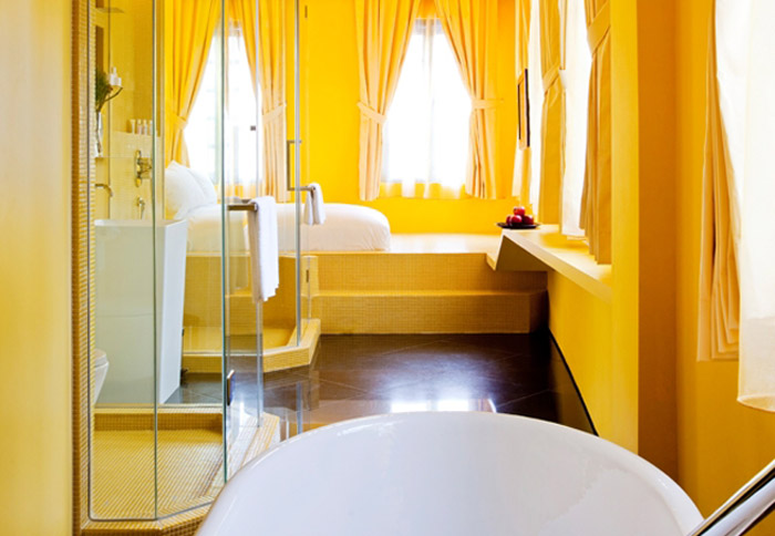 Wanderlust Hotel, Singapore. 16 Colourful Places In The World For Your Bridal Portraits. www.theweddingnotebook.com