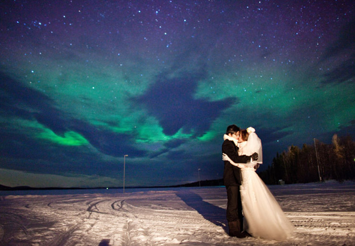 Aurora Borealis in Porjus, Sweden. 16 Colourful Places In The World For Your Bridal Portraits. www.theweddingnotebook.com