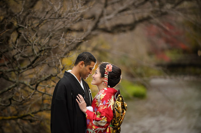 37 Frame Photography – Kyoto bridal portraits. www.theweddingnotebook.com