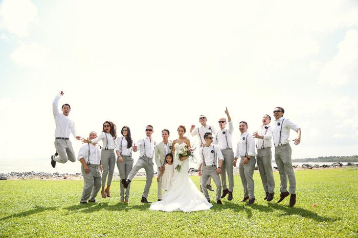 Photo by Hollywood Bridal. www.theweddingnotebook.com