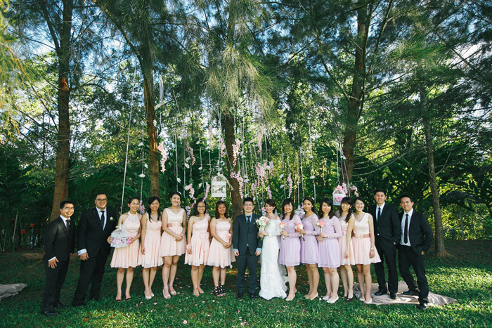 Pink and purple bridal party. Garden wedding in Malaysia. Photo by Fabulous Moments. www.theweddingnotebook.com