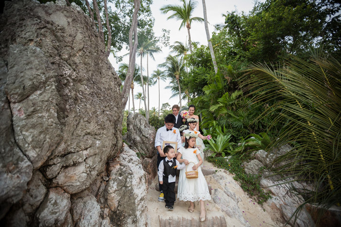 Destination wedding at Four Seasons Koh Samui. Photo by Stories by Integricity. www.theweddingnotebook.com