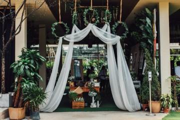 Photo by Funkydali and NDrew Photography. Styling by Bliss & Glitz. www.theweddingnotebook.com