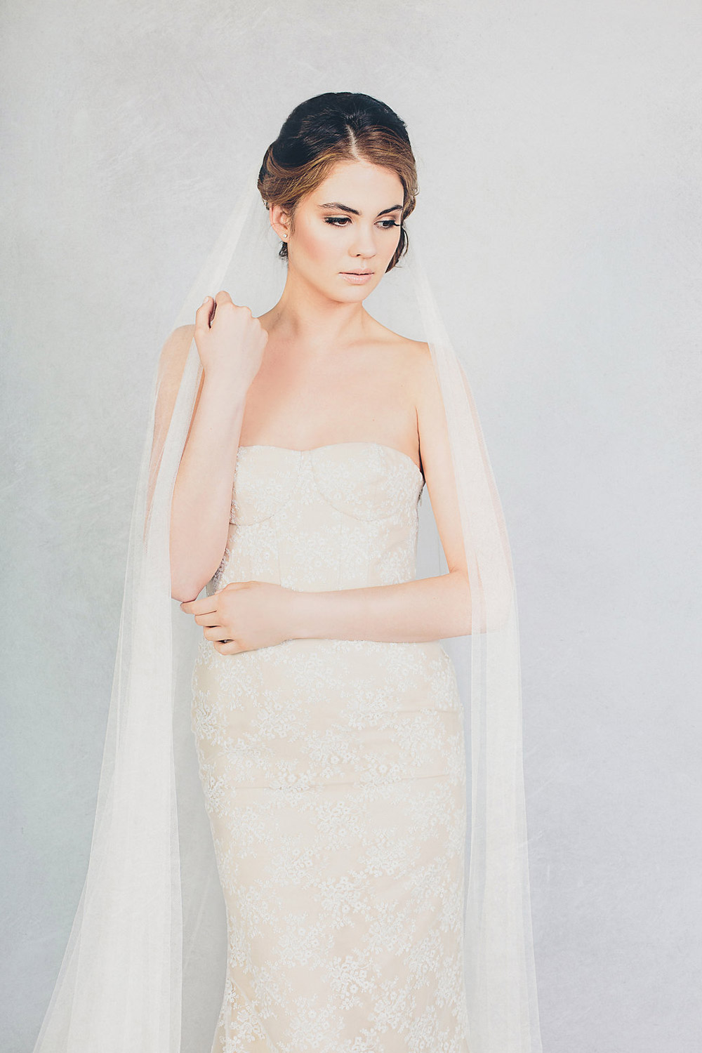 Bella and Soft Tulle Veil – Elizabeth Stuart Spring 2015 Collection. www.theweddingnotebook.com