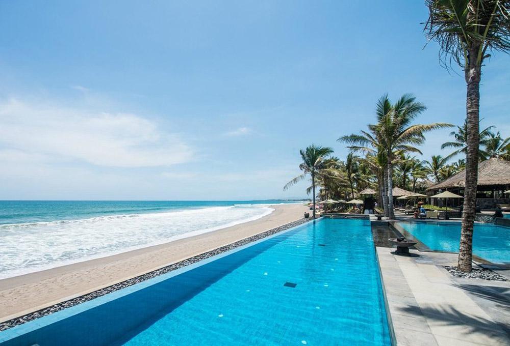 The Legian – A GHM Hotel. Luxury Honeymoon Resorts in Southeast Asia. www.theweddingnotebook.com