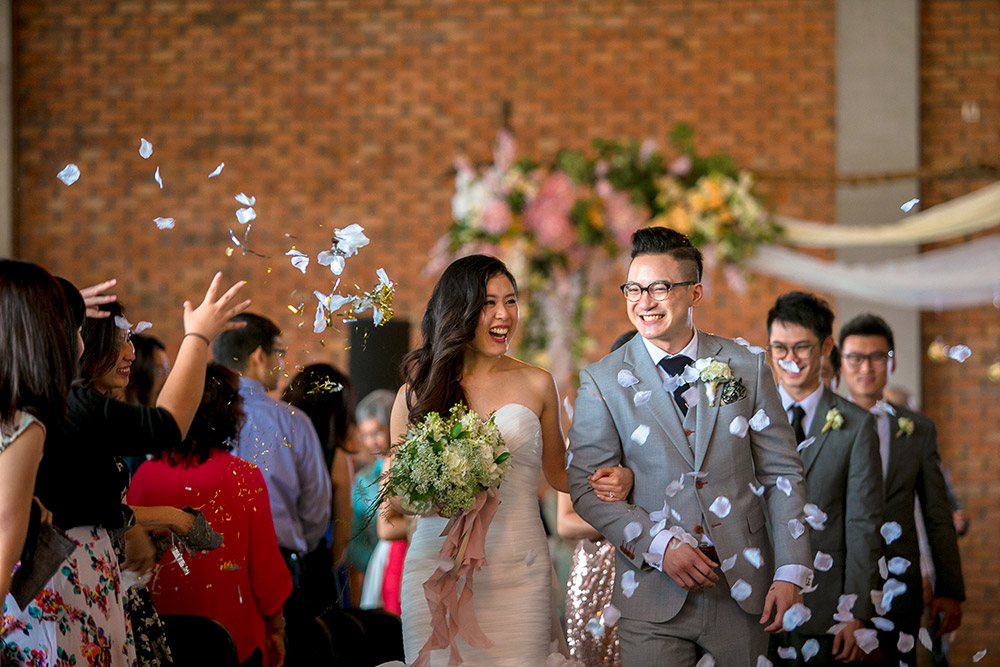 Photo by Alex Tan Photography. www.theweddingnotebook.com