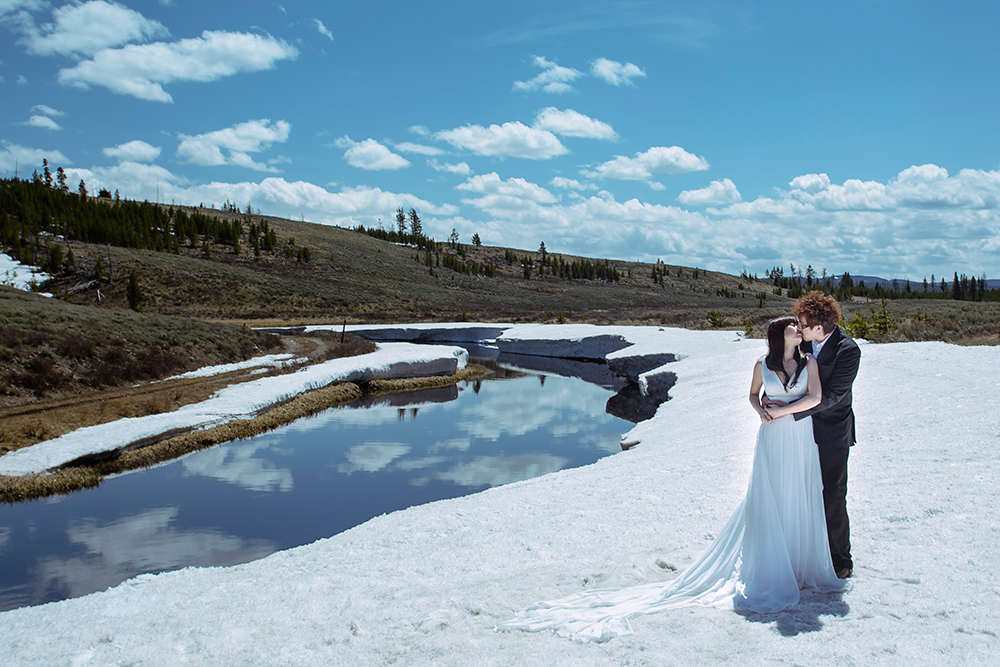 DIY Wedding Photoshoot, Icefields Parkway, Canada. www.theweddingnotebook.com