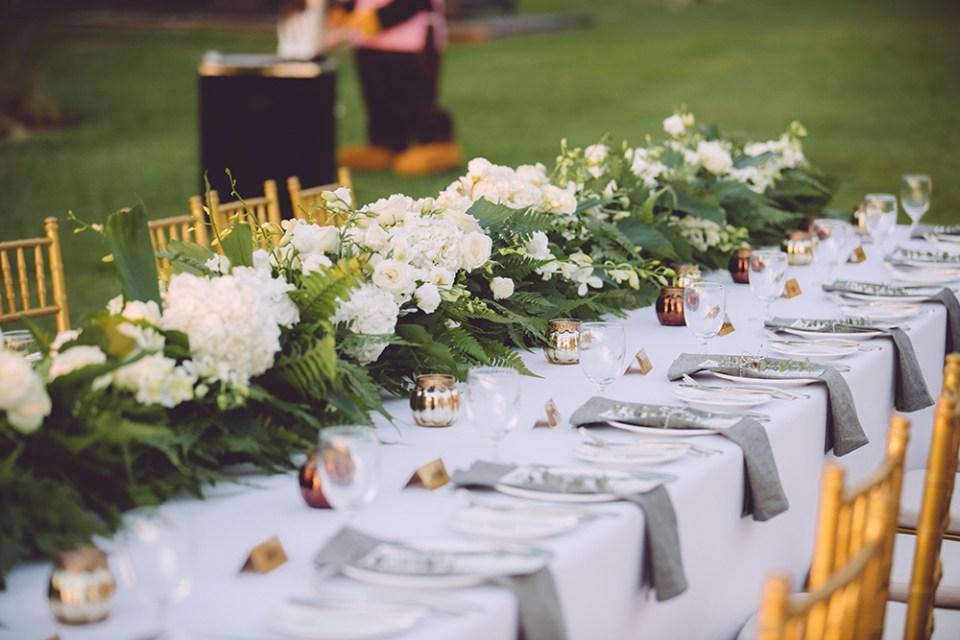 Photo by The Vow Studio. www.theweddingnotebook.com