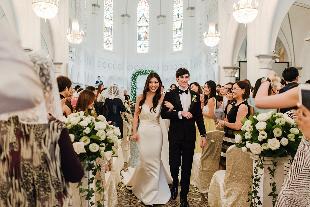 Wedding at CHIJMES, Singapore. Photo by Bloc Memoire Photography. www.theweddingnotebook.com