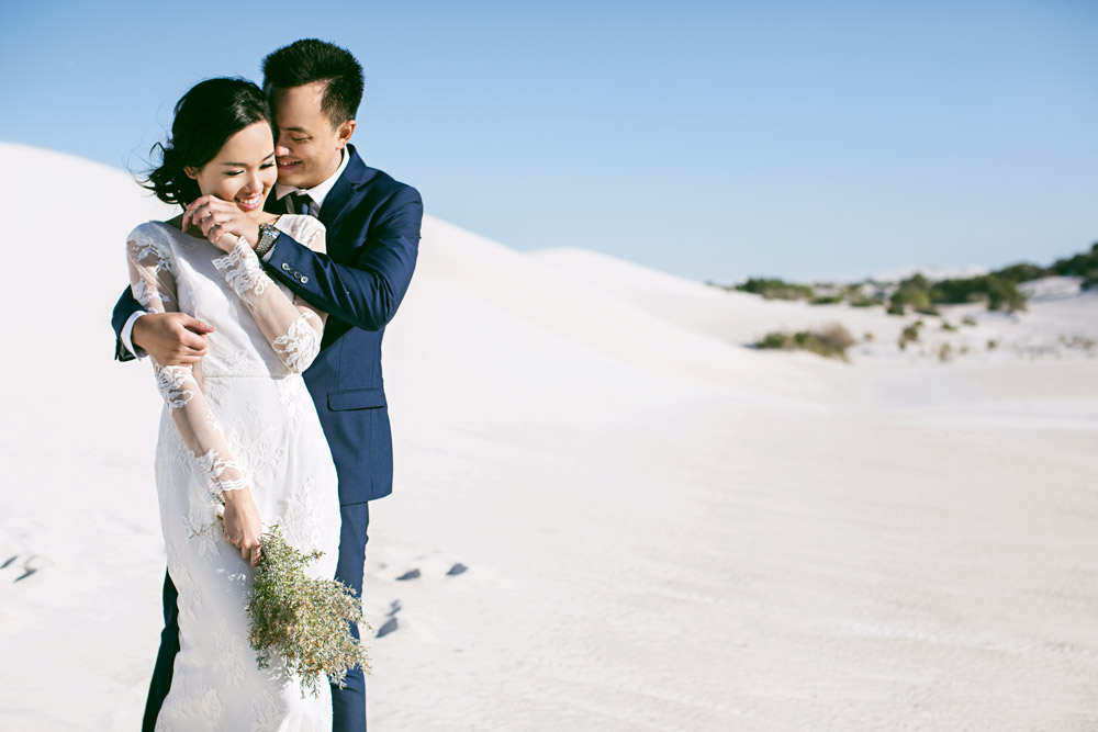 Photography by Axioo. Lancelin Desert Perth pre-wedding photos. www.theweddingnotebook.com