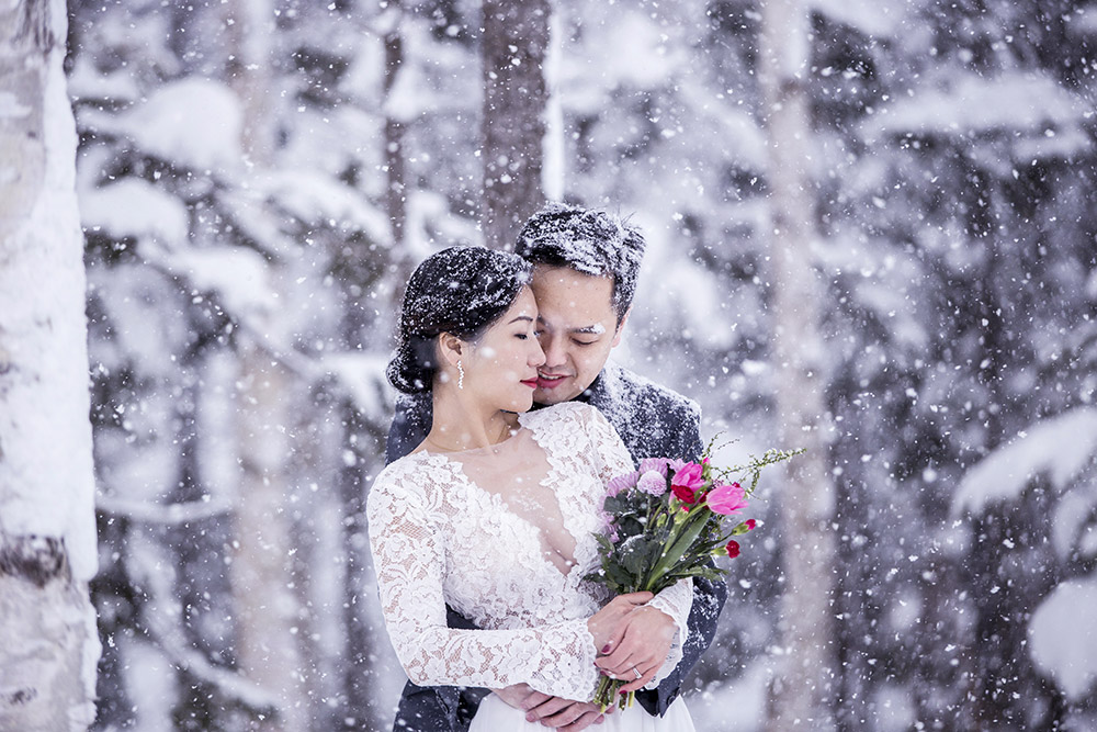 Photo by Niseko Photography. www.theweddingnotebook.com
