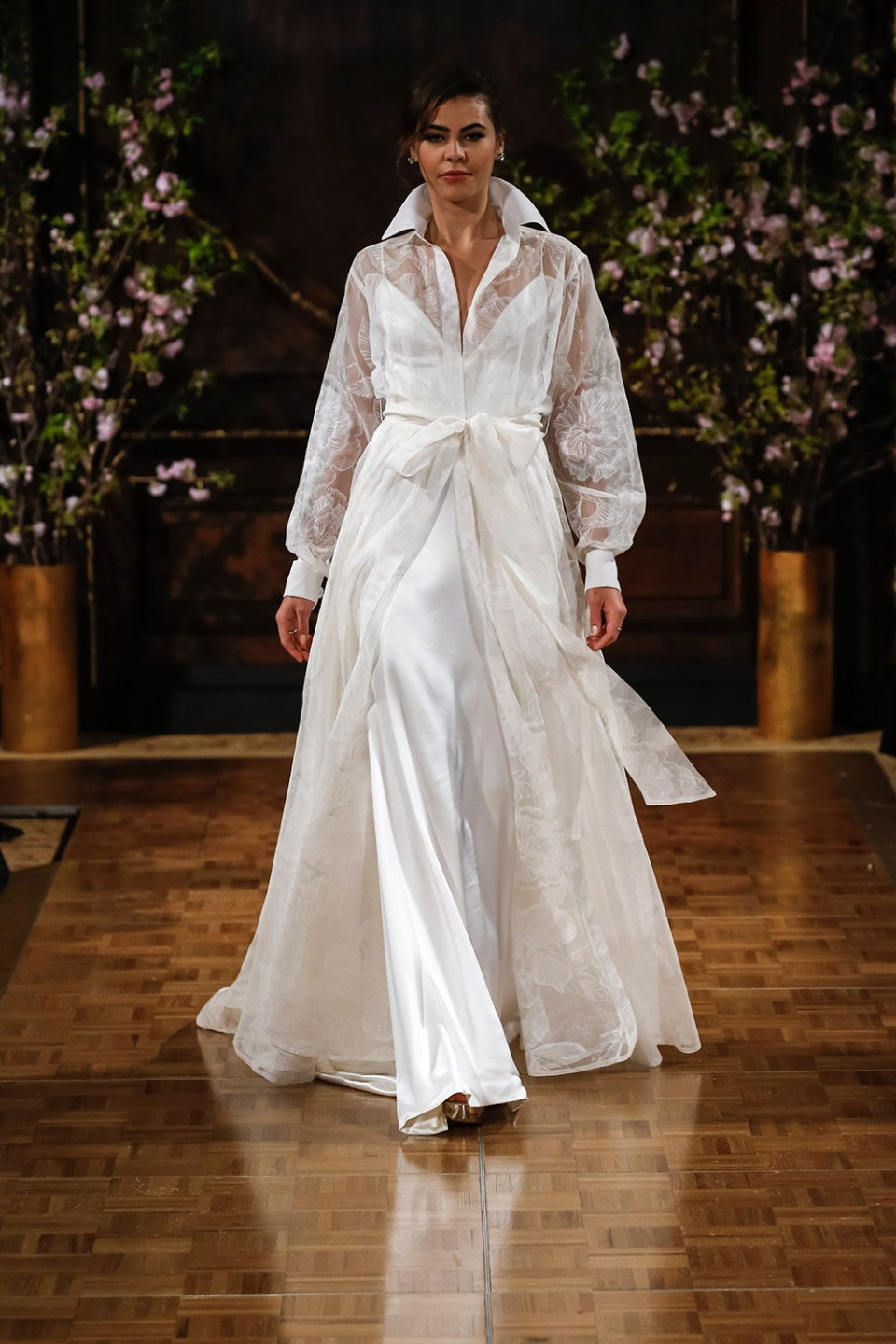 Drew - Isabelle Armstrong Spring 2017 Bridal Collection. www.theweddingnotebook.com