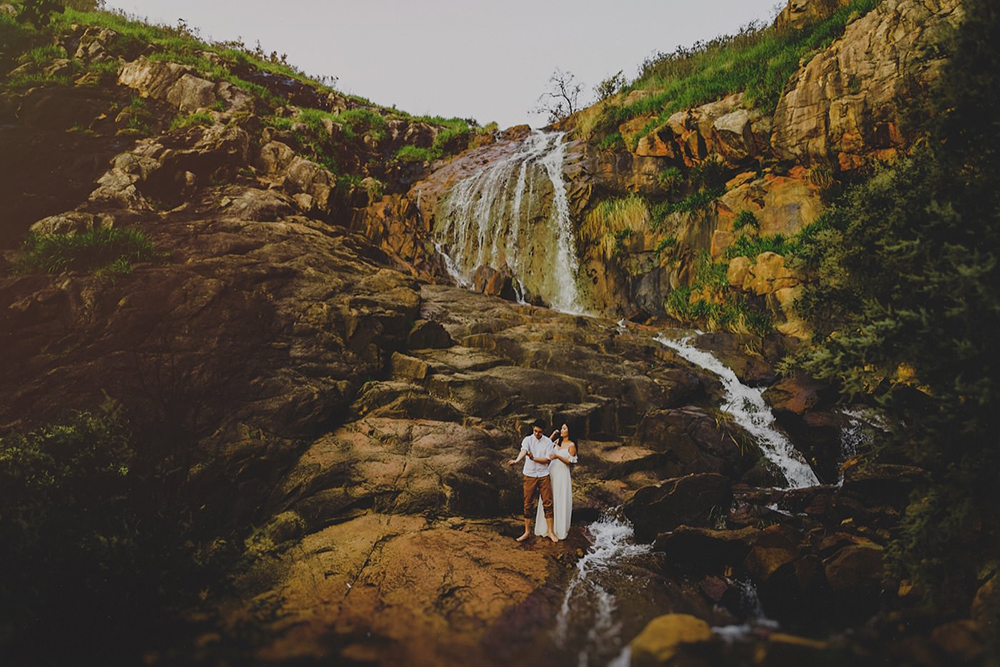 Lesmurdie Falls, Perth Hills, Western Australia. Photo by Steven Cheah Photography. www.theweddingnotebook.com