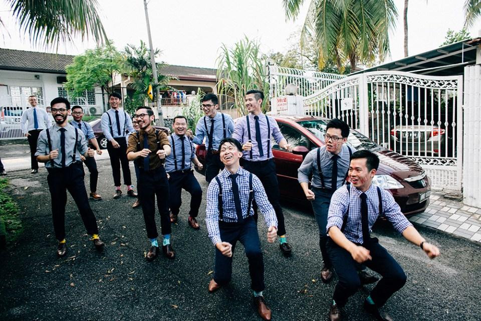 Photo by Hellojanelee Photography. www.theweddingnotebook.com