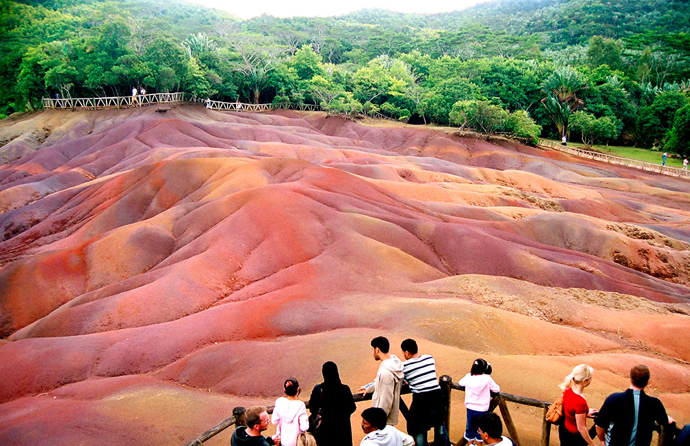 Seven Coloured Earths Mauritius. www.theweddingnotebook.com
