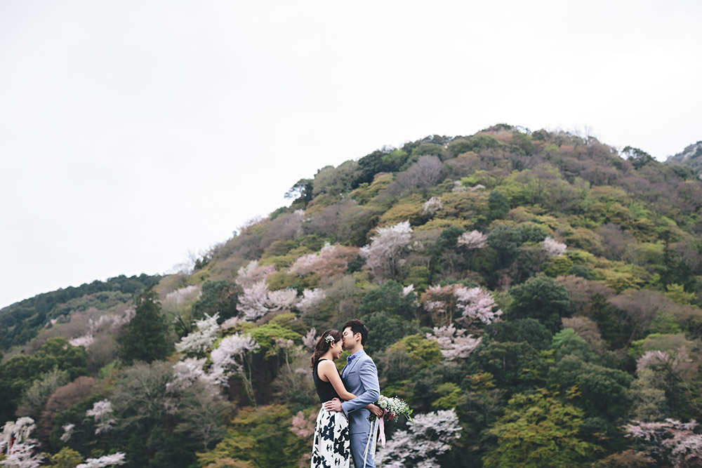 Beautiful Kyoto prewedding photos. Photo by History Studio. www.theweddingnotebook.com