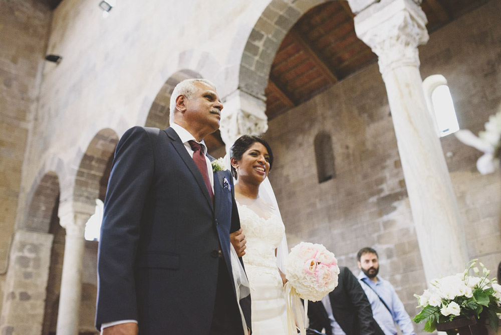 VRP Photography. www.theweddingnotebook.com