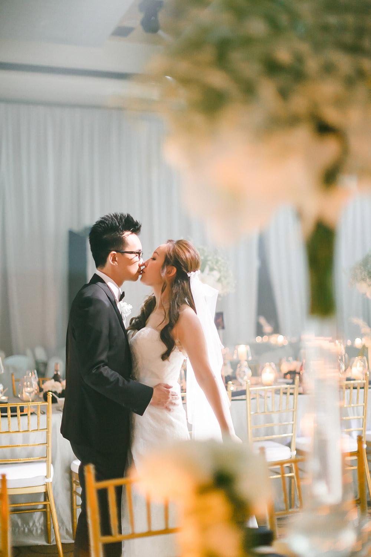 Photo by Wefreeze Photography. www.theweddingnotebook.com