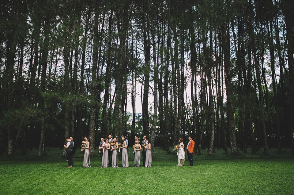 Photo by Fire, Wood and Earth Photography. www.theweddingnotebook.com