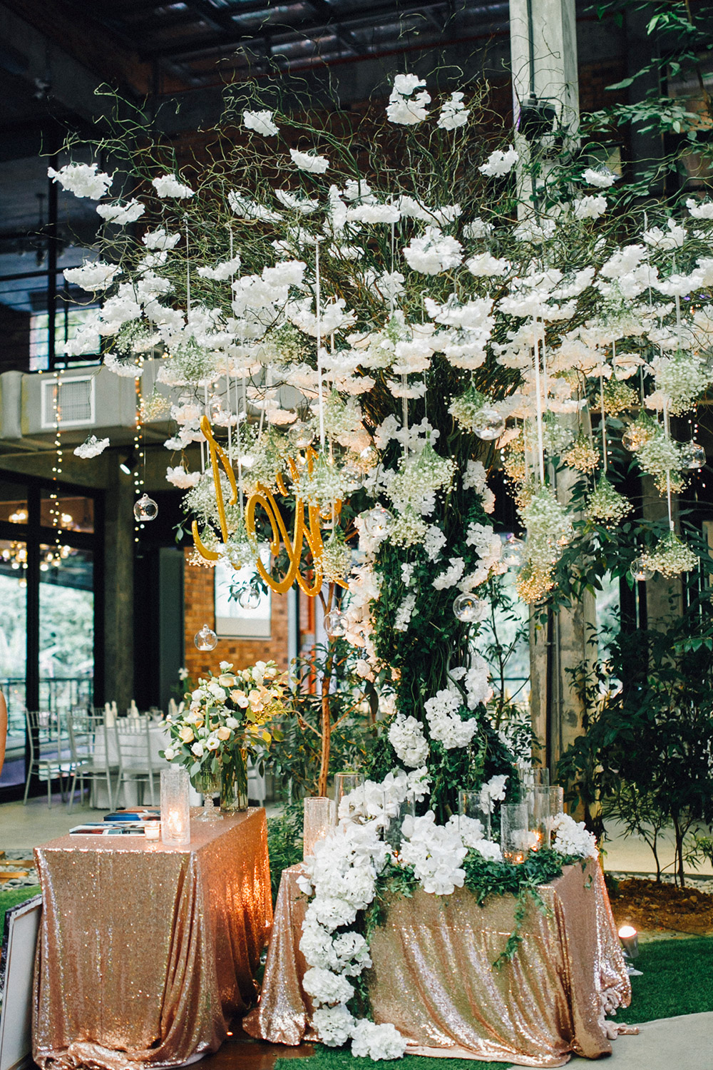 Wedding wishing tree. Photo by Plan A Production. www.theweddingnotebook.com