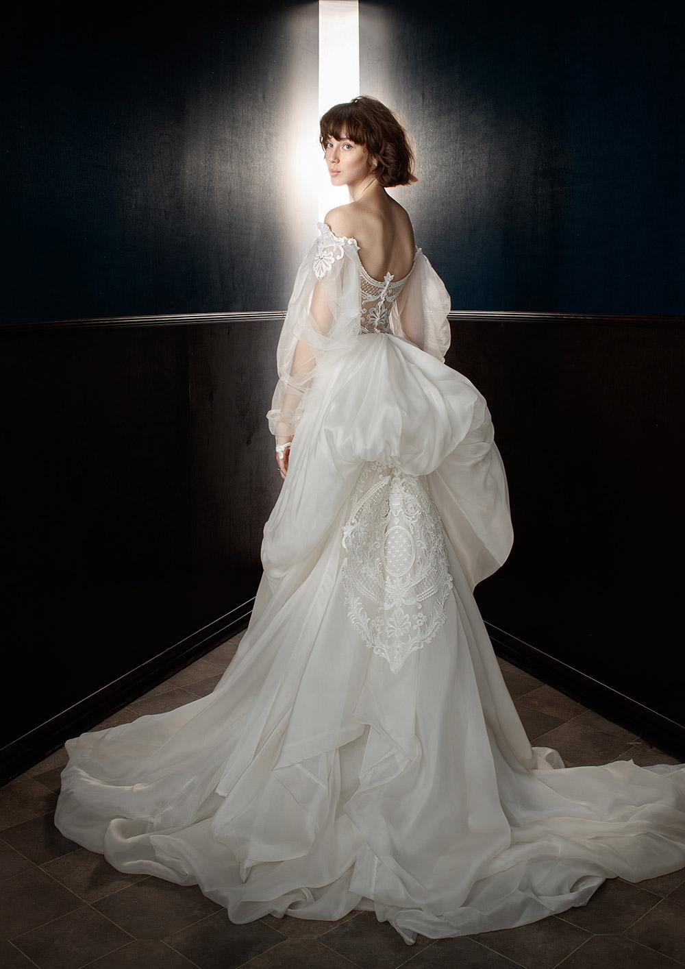 Thelma with Ossie Train - Galia Lahav Spring 2018 Bridal Collection. www.theweddingnotebook.com
