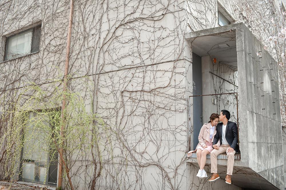 Photo by Jaja Samaniego Photography. www.theweddingnotebook.com