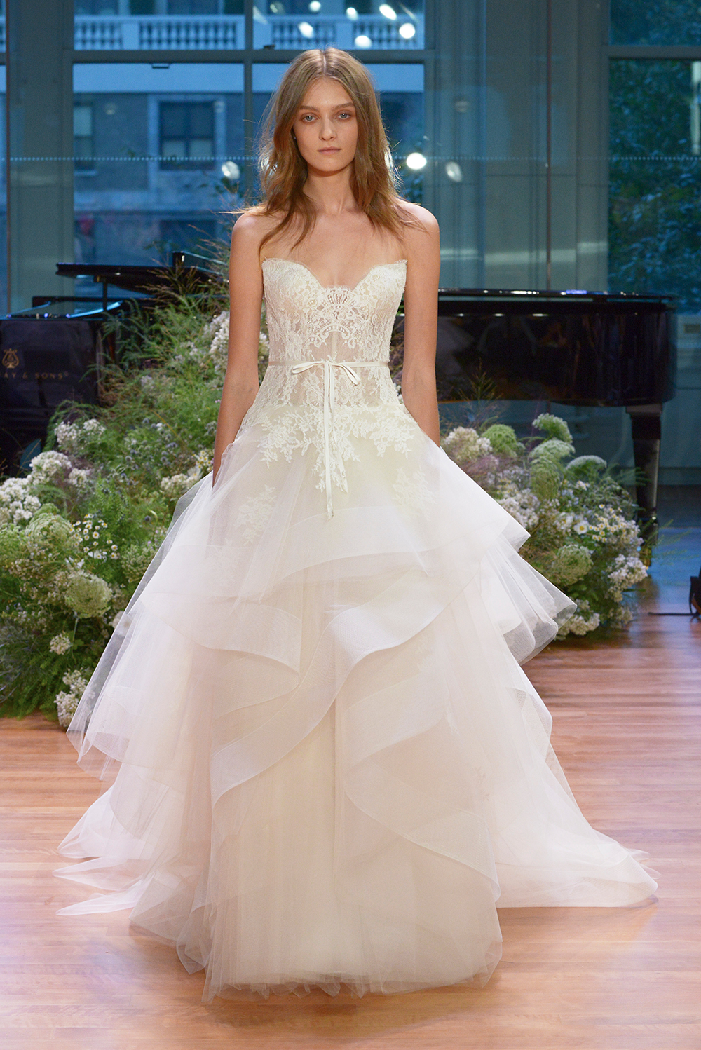 Tresor - Monique Lhuillier Fall 2017 Bridal Collection. www.theweddingnotebook.com