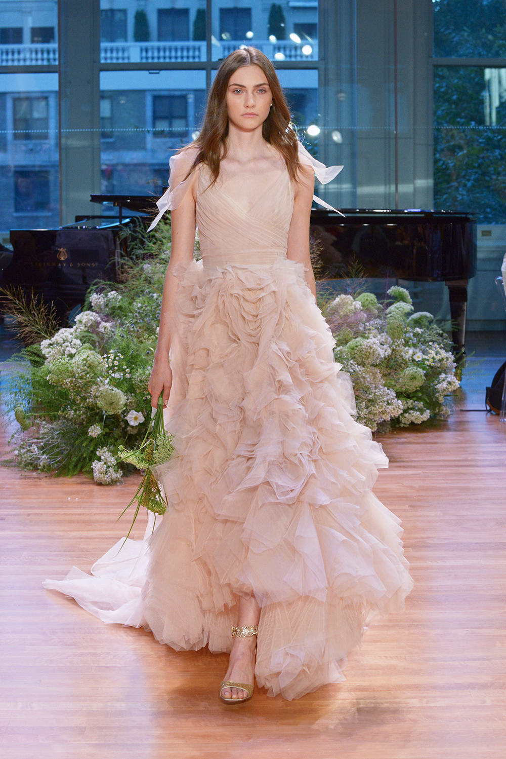 Ballad - Monique Lhuillier Fall 2017 Bridal Collection. www.theweddingnotebook.com