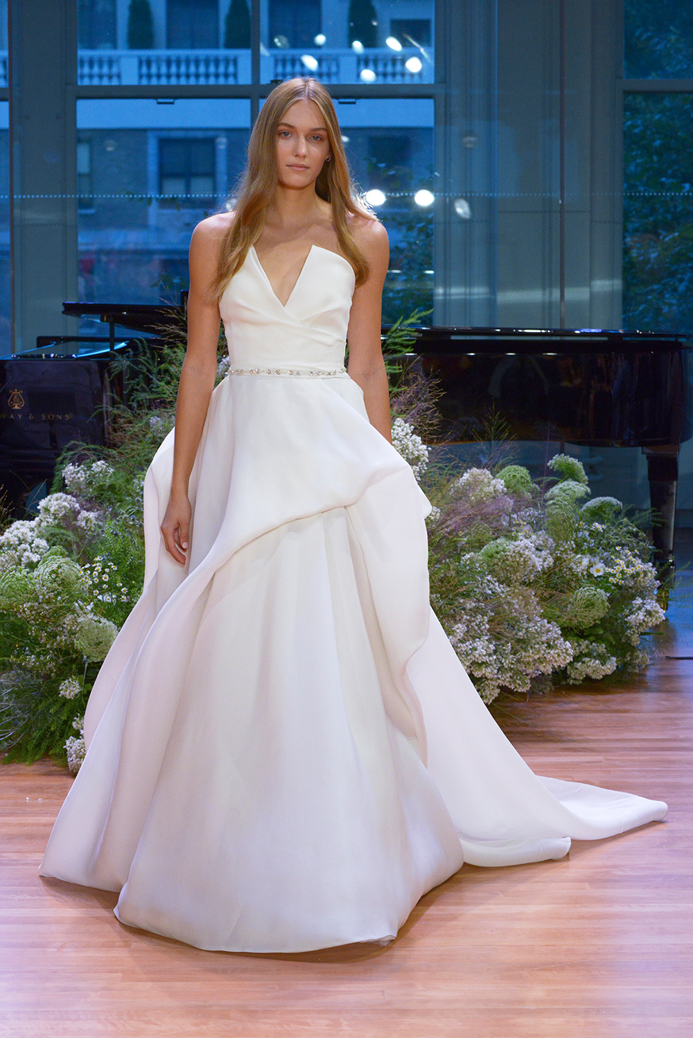 Emerson - Monique Lhuillier Fall 2017 Bridal Collection. www.theweddingnotebook.com