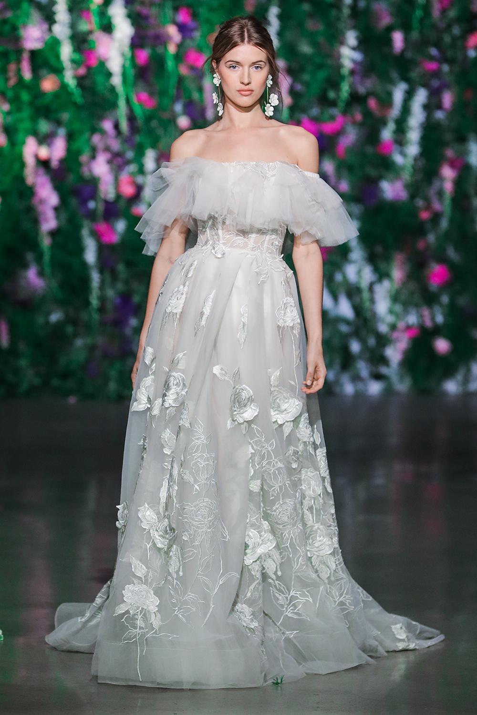 Casablanca Lily - Galia Lahav Fall 2018. www.theweddingnotebook.com
