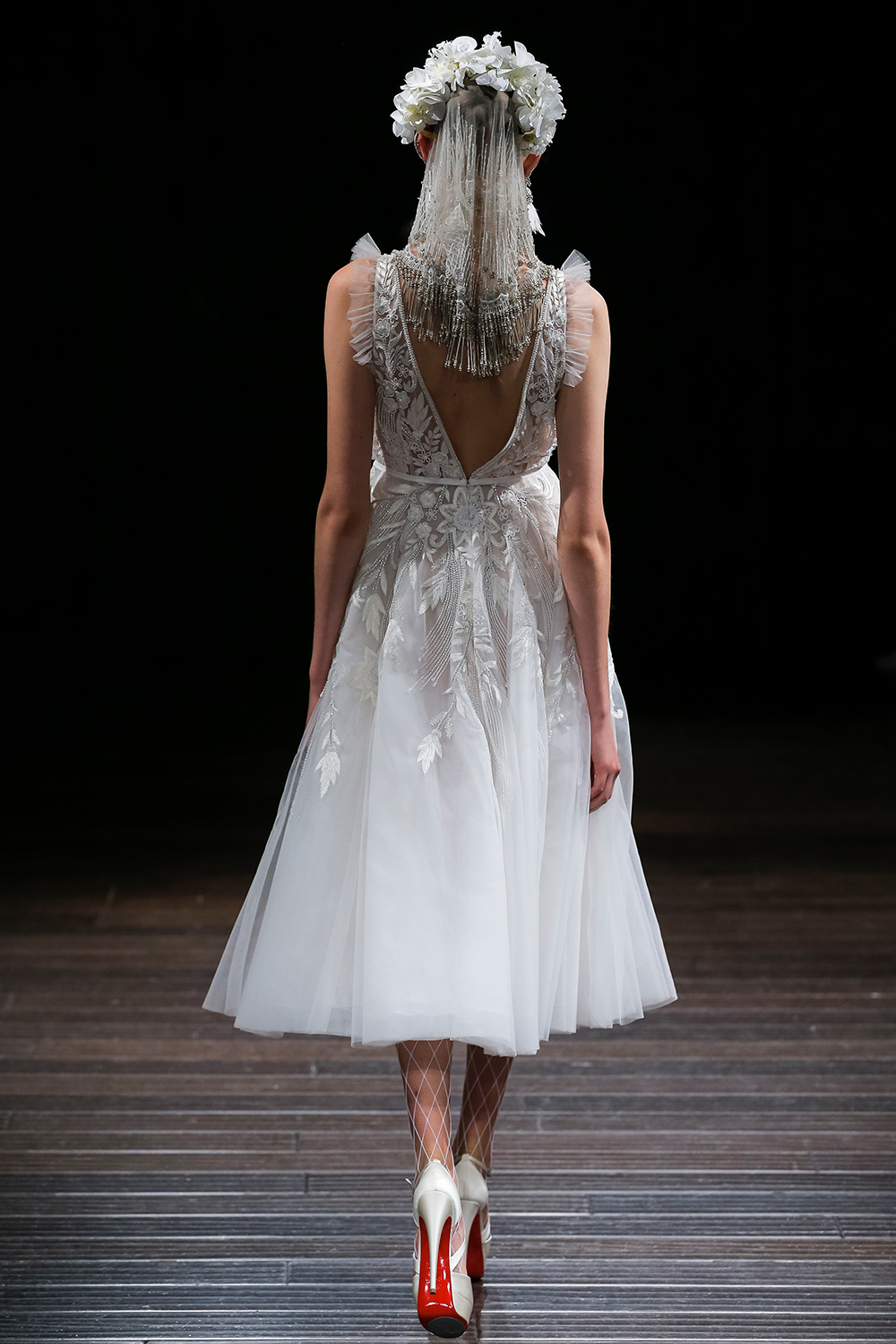 FRANCE - Naeem Khan 2018 Bridal Collection. www.theweddingnotebook.com