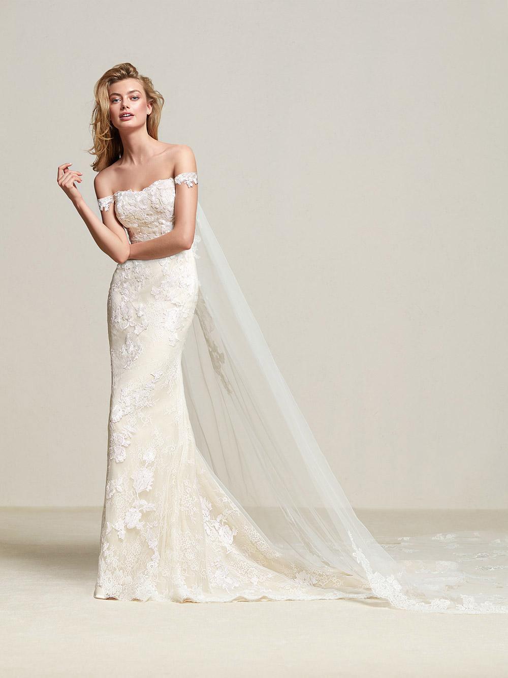 Dria - Pronovias 2018 Bridal Collection. www.theweddingnotebook.com