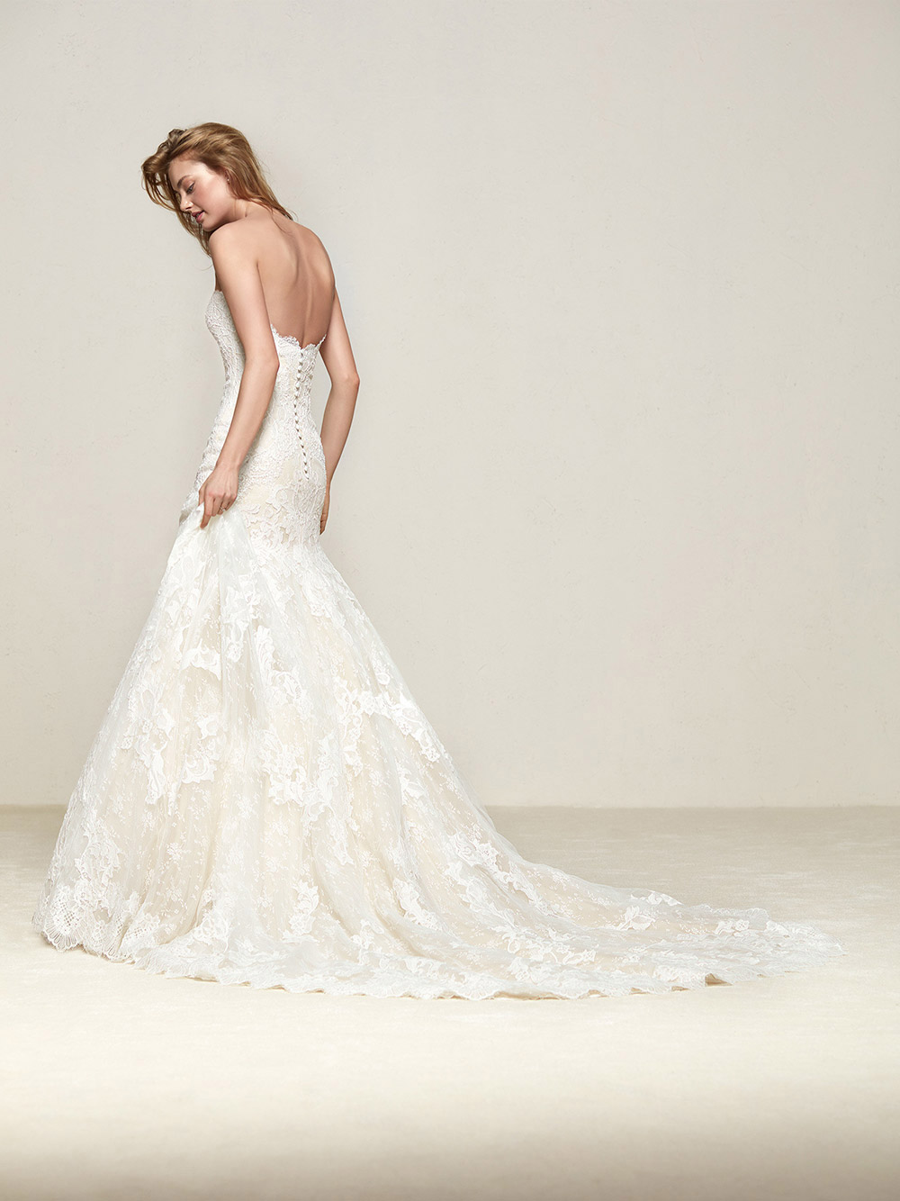 Druida - Pronovias 2018 Bridal Collection. www.theweddingnotebook.com
