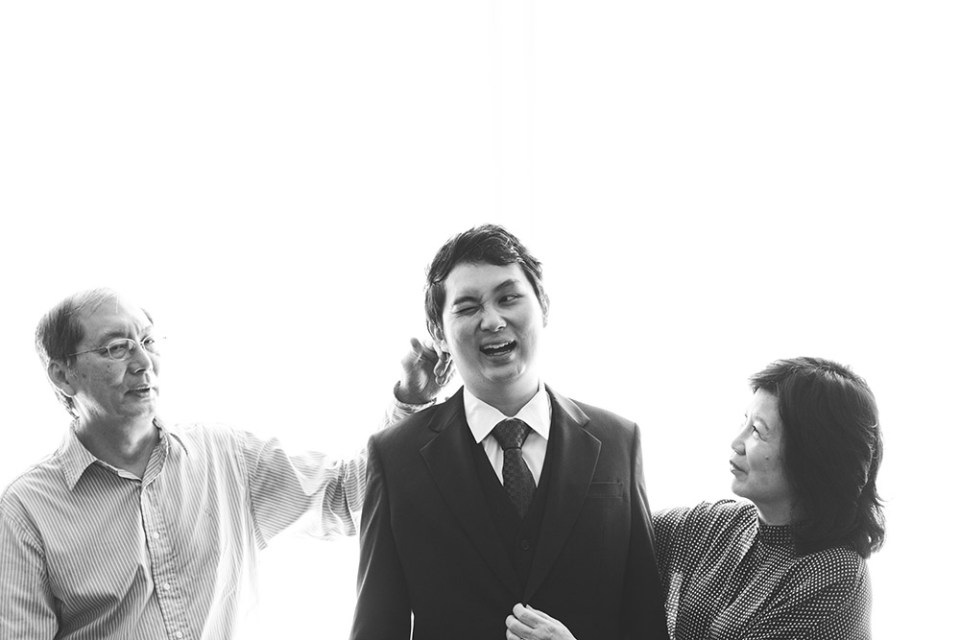 Photo by Louis Han Photography. www.theweddingnotebook.com