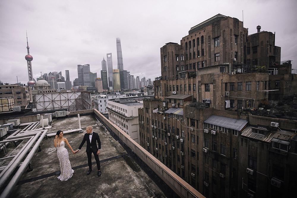 Photo by Metrophoto. www.theweddingnotebook.com