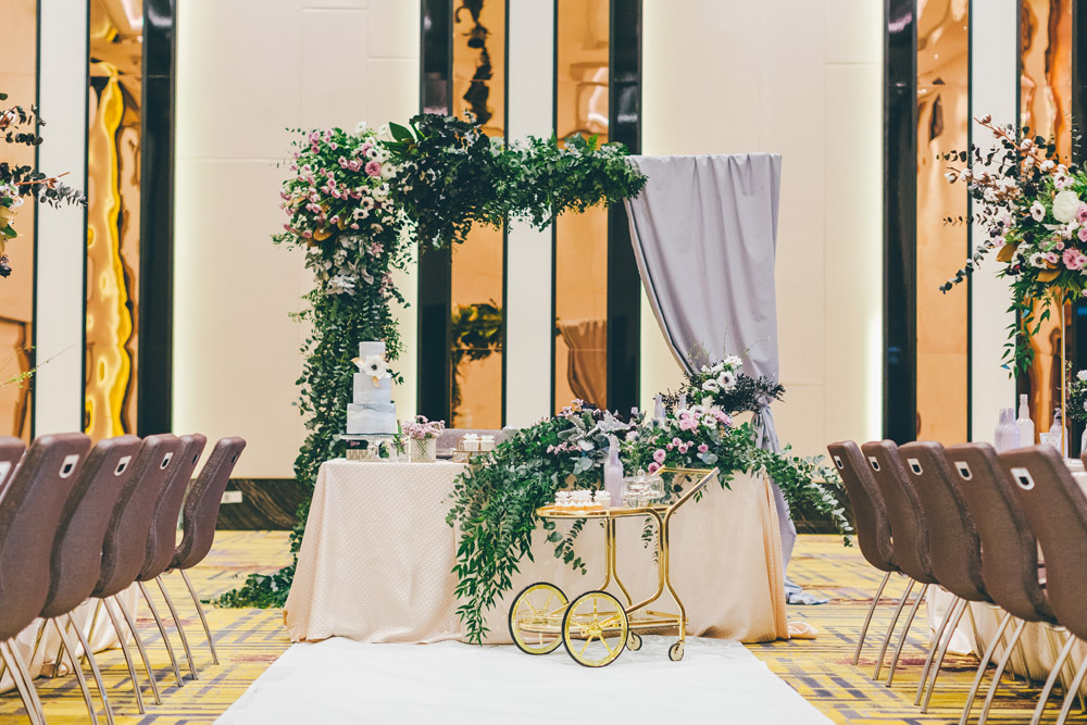 Photo by MJK Photography. Wedding at Le Meridien Putrajaya. www.theweddingnotebook.com