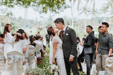 Munkeat Photography. www.theweddingnotebook.com