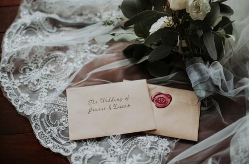 Munkeat Photography. www.theweddingnotebook.com