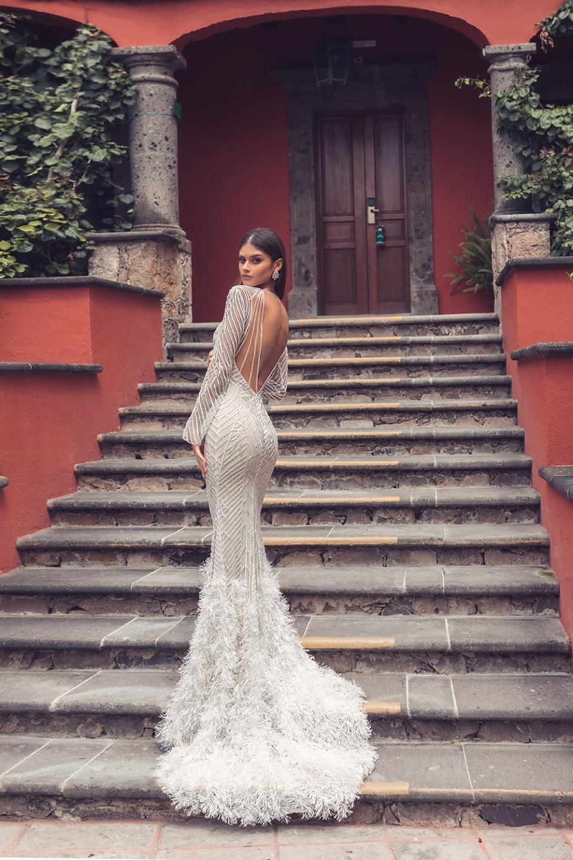 Julie Vino 2019 Bridal Collection. www.theweddingnotebook.com