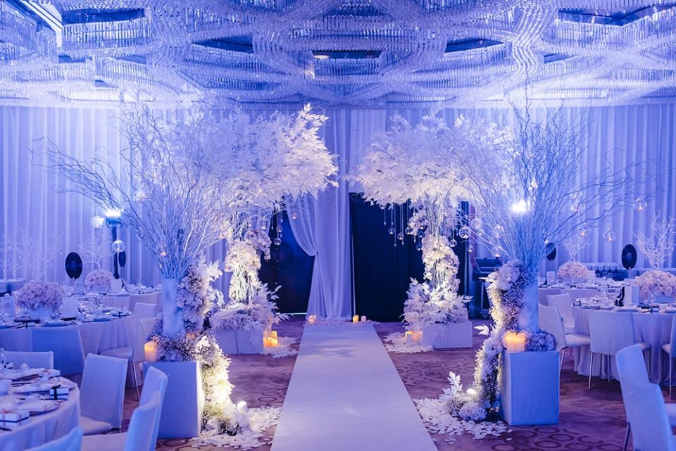 Flowers by Wishing Tree. Peter Herman Photography. Planning by MY Wedding Planner. www.theweddingnotebook.com